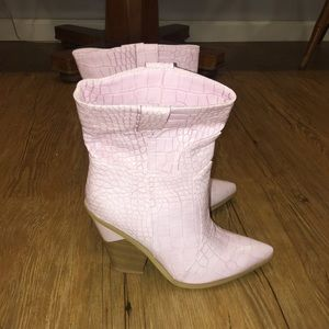 Shoes - Embossed faux leather pink wedged bootie. Size 39.